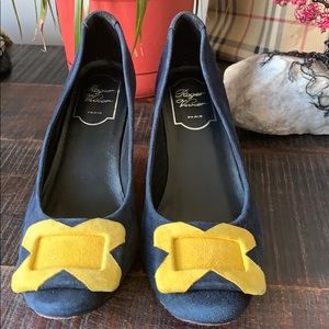 EUC Roger Vivier suede shoes